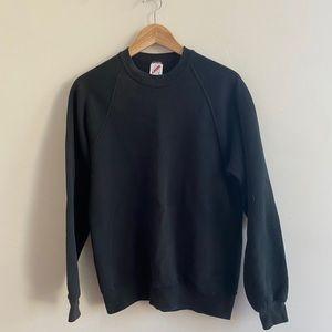 Super comfy black vintage 90s crew neck jerzees